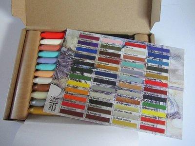 00 Nieuw! Set van 48 encaustic wasstaafjes in een doosje met kleurenkaart!